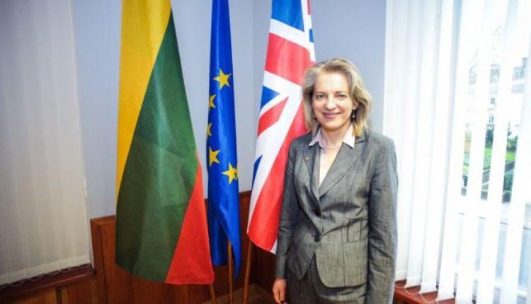 Rengiamasi atšaukti ambasadorius Britanijoje, Jungtinėse Tautose