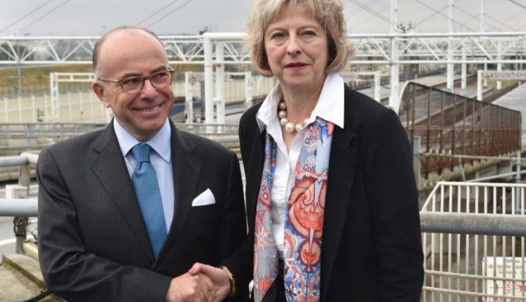 Britanija pirmiausia privalo aptarti skyrybų su ES sąlygas, sako prancūzų premjeras