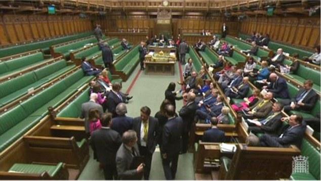 """""""Brexit"""" įstatymas turėtų įveikti didžiausią kliūtį Didžiosios Britanijos parlamente"""