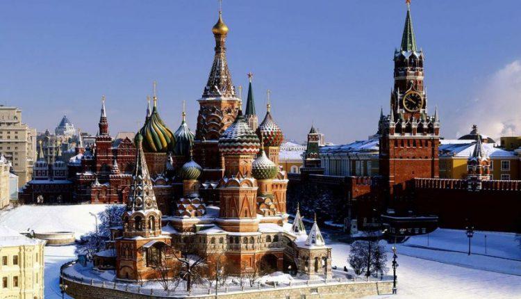"""Kremlius norėtų, kad """"Fox News"""" atsiprašytų dėl komentarų apie V. Putiną"""