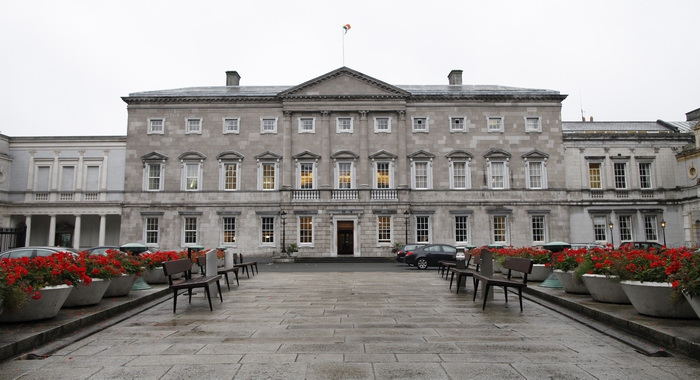 Airijos vyriausybė atlaikė balsavimą dėl nepasitikėjimo