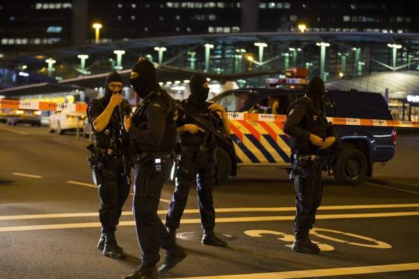 Nyderlandų policija neutralizavo sprogstamąjį įtaisą Amsterdamo centre