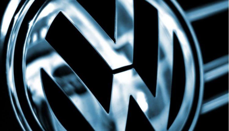 """""""Volkswagen"""" teisme sutiko sumokėti kompensacijų už maždaug 1,3 mlrd. dolerių"""