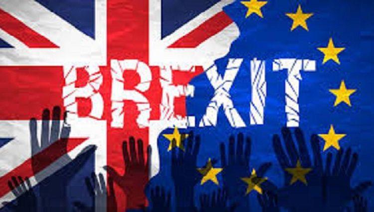 """Britanijos Bendruomenių Rūmai priėmė teisės aktą, leidžiantį inicijuoti """"Brexit"""" derybas (papildytas)"""