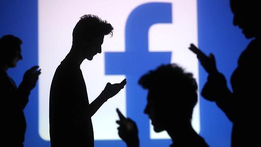 """ES reikalauja pokyčių iš """"Facebook"""", """"Google"""" ir """"Twitter"""""""