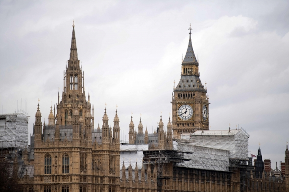"""Britanijos Lordų Rūmai pareikalavo suteikti garantijų ES piliečiams po """"Brexit"""""""