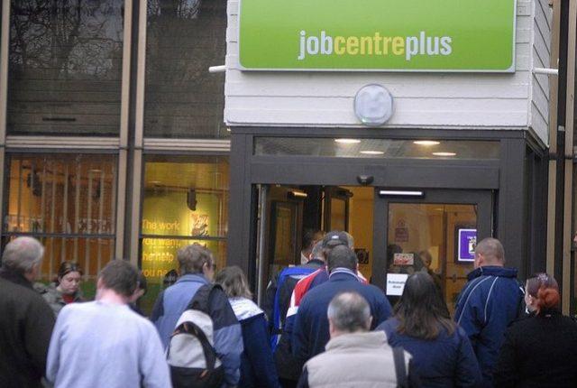 Nedarbas Didžiojoje Britanijoje – mažiausias nuo 1975 m.