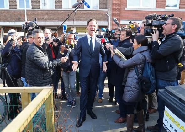 Rinkimai Nyderlanduose buvo sėkmingiausi premjero Rutte liberalams, rodo rinkėjų apklausos