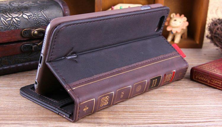Popiežius paragino Bibliją atsiversti ne rečiau nei žinutes telefone
