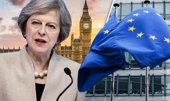 """ES viršūnių susitikimas dėl """"Brexit"""" tikriausiai bus šaukiamas balandžio 6-ąją, sako šaltiniai"""