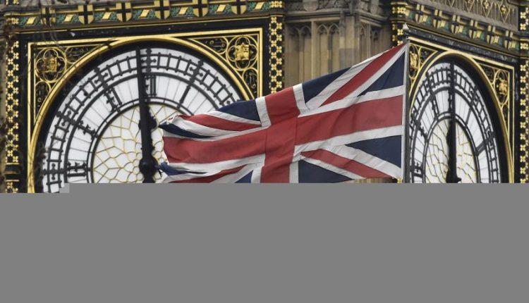 """Tikėtina, kad JK Lordų Rūmai mes iššūkį T. Mei dėl europiečių teisių po """"Brexit"""""""