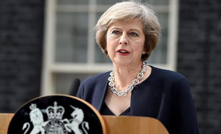 ES piliečiams leidžiama atvykti į Jungtinę Karalystę iki 2022 metų: Theresos May pareiškimas