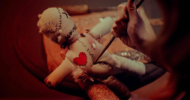 Būrėja Tarologė. Meilės kerai: ar verta užburti mylimąjį?