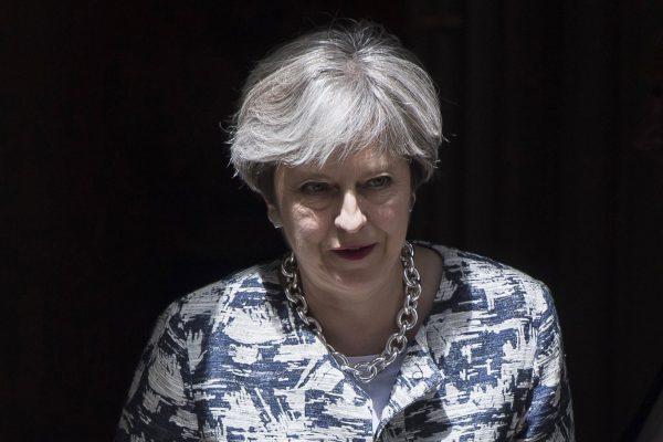 ES atstovai mano, kad T. Mei pasiūlymas JK gyvenantiems ES piliečiams – nuviliantis