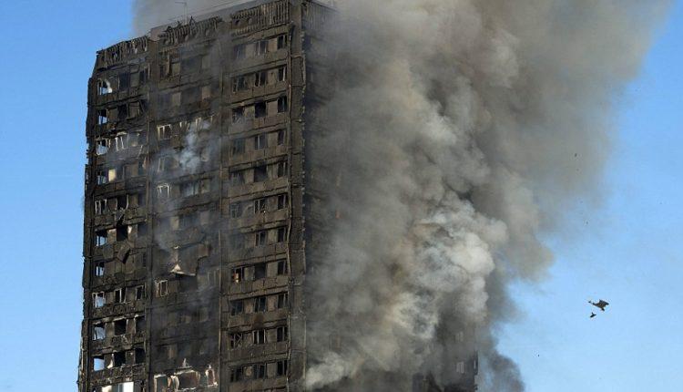 Per didžiulį gaisrą Londono daugiabutyje žuvo mažiausiai šeši žmonės