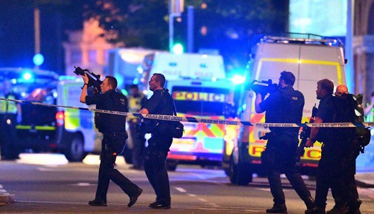 Teroristinio išpuolio Londone aukų skaičius išaugo iki septynių