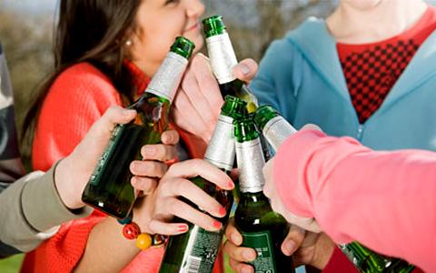 Pykit nepykę, pagal alkoholio vartojimą esate pirmi pasaulyje