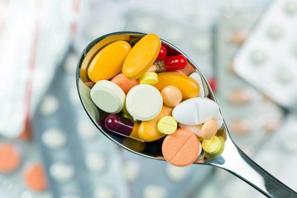 Pasekmės piktnaudžiaujant vaistais nuo skausmo ir lietuvių savigydos įpročiai