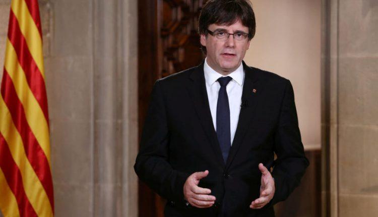 Katalonijos lyderis atidėjo parlamento posėdį regiono nepriklausomybės klausimu