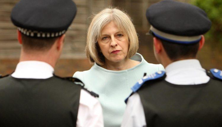 Britanijos premjerė susidūrė su kėsinimusi ją nuversti ją iš pareigų