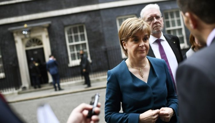 Škotijos lyderė pasmerkė buvusių Katalonijos ministrų sulaikymą
