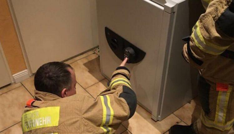 9-metis berniukas žaisdamas slėpynių įstrigo sename seife: kodą žinojo tik toli išvykęs žmogus