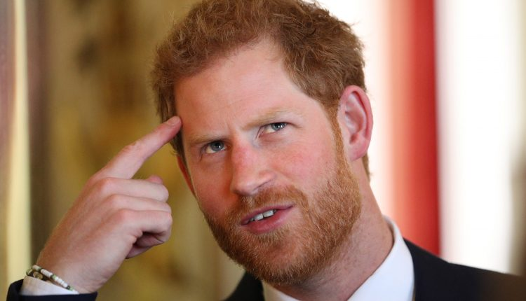 Tęsdamas savo motinos darbą, princas Haris reikalauja atsisakyti priešpėstinių minų