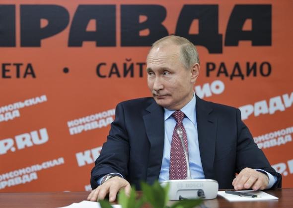 """ES kaltina Rusiją """"surežisuota"""" dezinformacijos kampanija"""