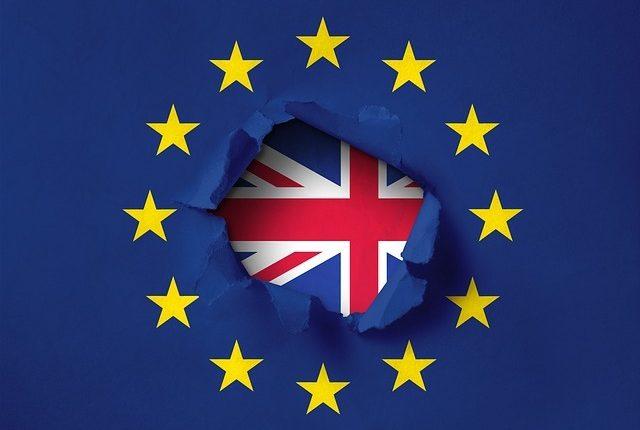"""""""Brexit"""" sutartis gali įžiebti naujų nesutarimų su Britanija"""