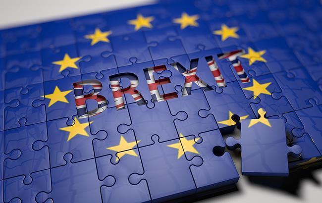 """JK lyderė bando sklaidyti bankų susirūpinimą dėl """"Brexit"""""""