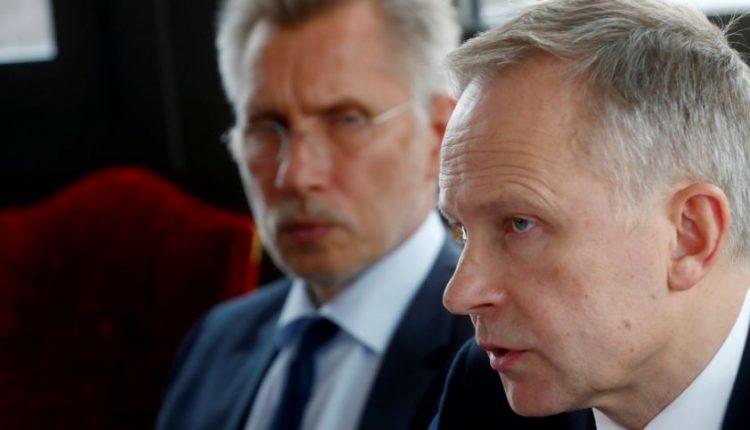 Į korupcijos skandalą įsipainiojęs Latvijos centrinio banko vadovas teigia nesitrauksiąs