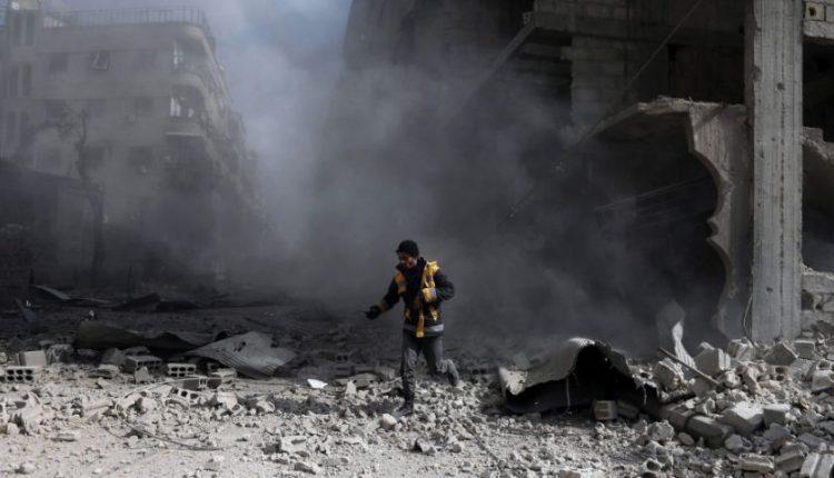 Nepaisant paskelbtų paliaubų, Damasko režimo pajėgos tęsia antskrydžius Rytų Gutoje