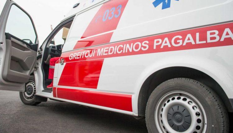 Kraupi avarija Vilniuje: autobusas pervažiavo iš jo iškritusį vyrą