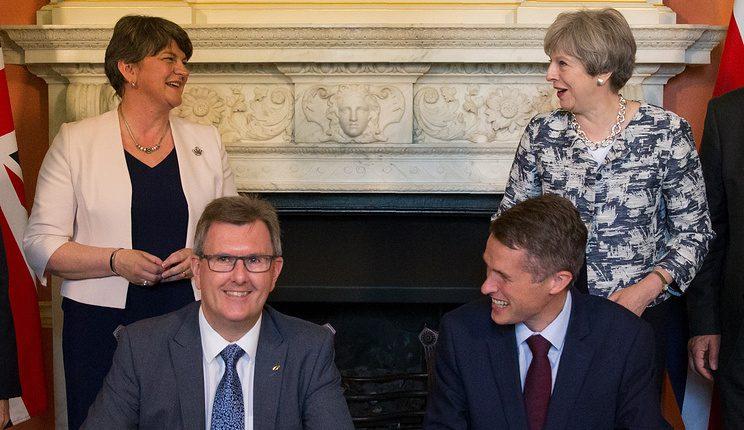 Šiaurės Airijos derybos dėl valdžios pasidalinimo žlugo