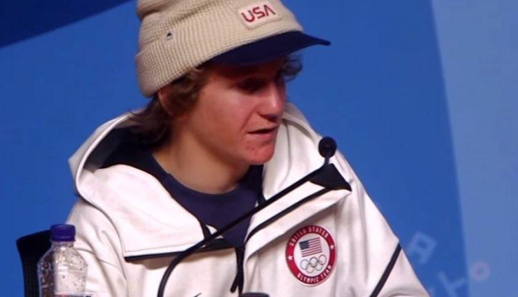 17-metis Pjongčange vos nepramiegojo savo starto, pametė striukę, o laimėjęs auksą riebiai nusikeikė