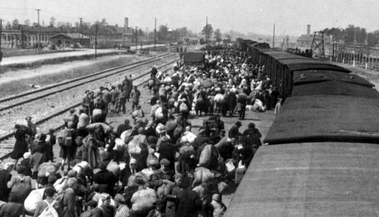 Holokausto spąstuose: žydus gelbėjusios šeimos istorija