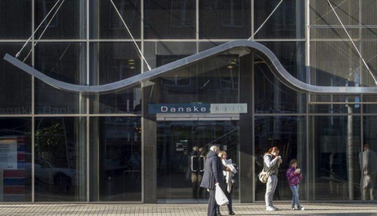 """The Guardian"": per Estijos ""Danske Bank"" buvo plaunami V. Putino giminaičių pinigai"