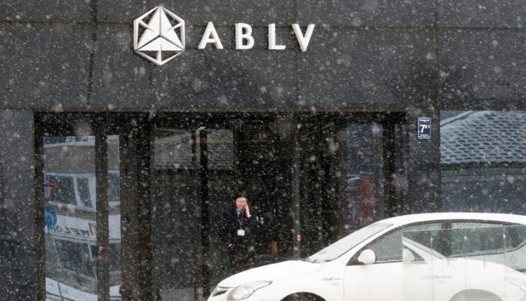 Latvijos bankų reguliuotojas konstatuoja ABLV indėlių nepakankamumą, tai gali reikšti likvidavimo pradžią