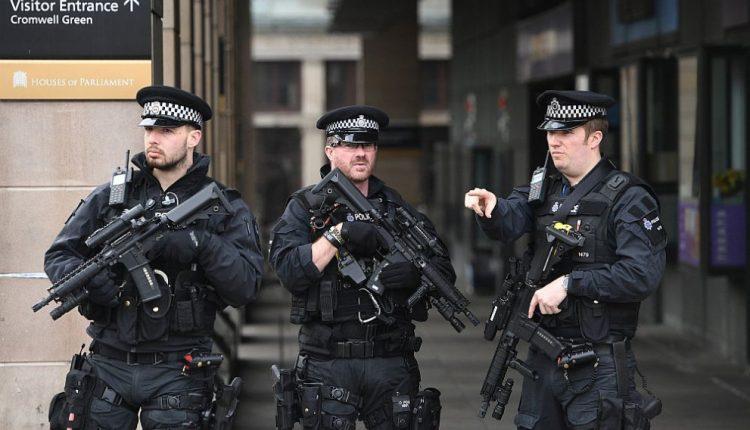 Britanijoje per policijos reidus išvaduotos 36 šiuolaikinės vergijos aukos