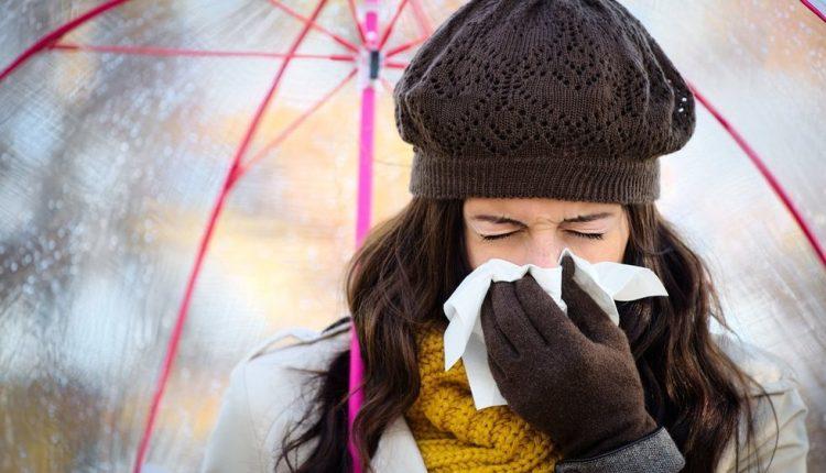 Pajutote pirmuosius peršalimo simptomus? Mokslas siūlo greitą receptą išgyti