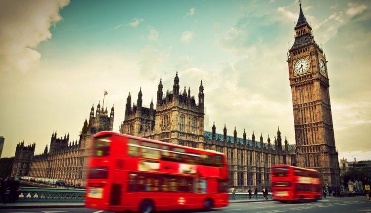ES piliečiai nerimsta: ar Brexit paveiks stojimo į Didžiosios Britanijos aukštąsias mokyklas tvarką?