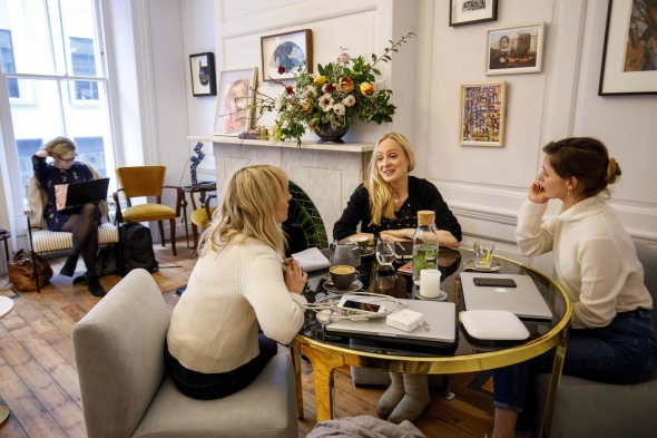 Londone atsidaręs klubas tik moterims puoselėja feminizmo tradicijas