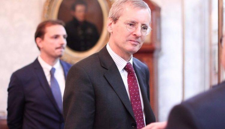 Į Rusijos užsienio reikalų ministeriją iškviestas Jungtinės Karalystės ambasadorius