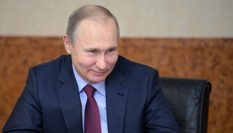 """V. Putinas teigia """"niekada"""" negrąžinsiąs Krymo Ukrainai"""