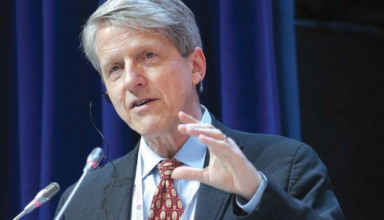 Nobelio ekonomikos premijos laureatas R. Schilleris: recesija jau ne už kalnų