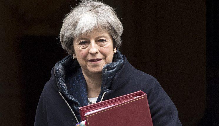 """Rusijos valstybė """"kaltintina"""" dėl Skripalio apnuodijimo, sako Britanijos premjerė May"""