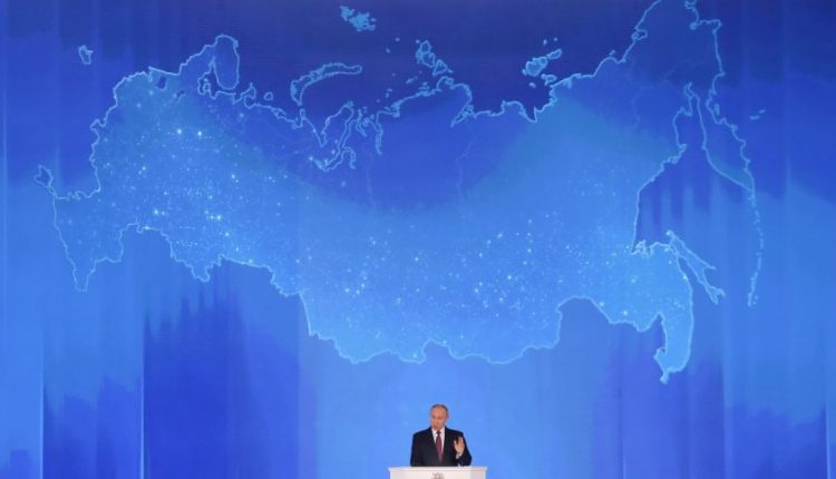 V. Putinas apgailestauja, kad sugriuvo Sovietų Sąjunga