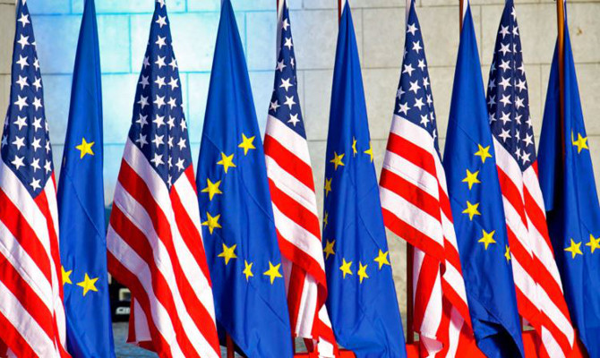 """ES """"turėtų būti atleista"""" nuo naujų JAV muitų, sako EK narė"""