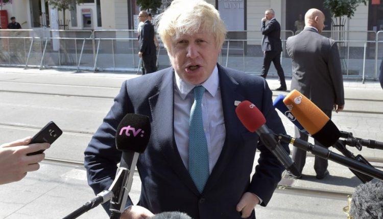 Į Britaniją tirti Skripalio apnuodijimo vyksta cheminių ginklų ekspertai