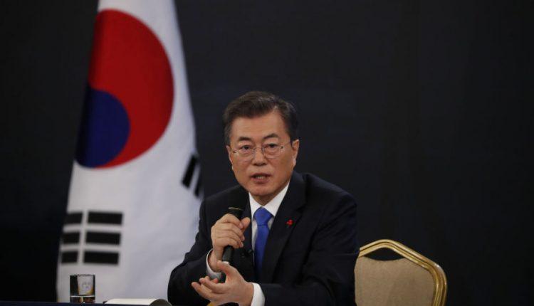 Pietų Korėjos lyderis įžvelgia daugiau kliūčių Šiaurės Korėjos nuginklavimui
